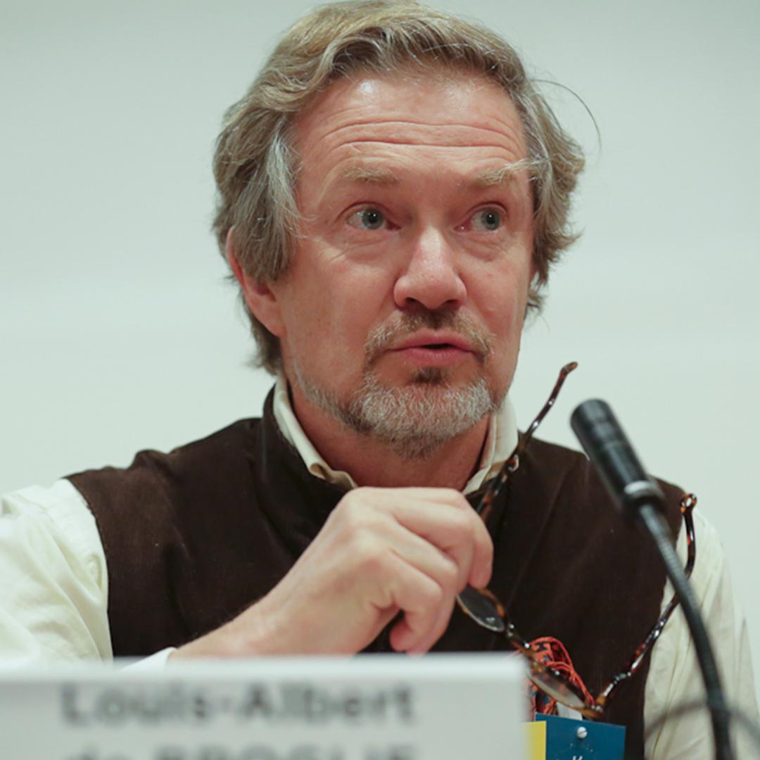 Louis Albert de BROGLIE